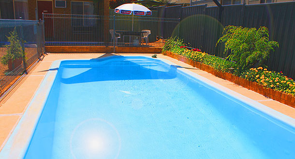 Swimming Pool with BBQ facilities at Camellia Motel - Narrandera NSW